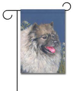Keeshond Natural Beauty - Garden Flag - 12.5'' x 18''