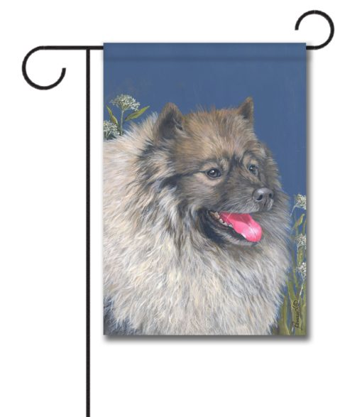 Keeshond Natural Beauty - Garden Flag - 12.5'' x 18''